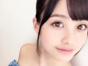 瞳の綺麗な女性